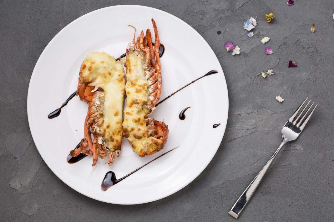 Lobster Golden Sand Sauce 金沙汁焗龙虾
