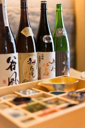 宫川师傅及其团队亦特意挑选了多款高级清酒以供配搭 | Master chef Miyakawa and his team have also exclusively picked a variety of premium sake