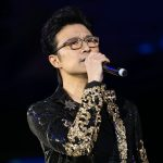 摇滚巨星汪峰献唱   Chinese rockstar Wang Feng