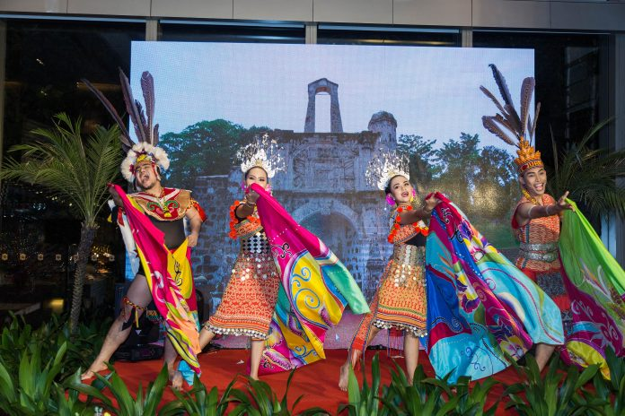 Malaysian Dance by BRIGED SENI MELAKA