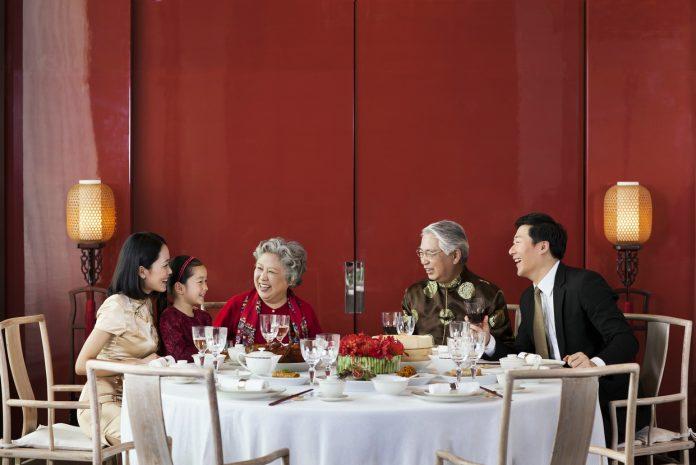 团年饭   Gathering Dinner