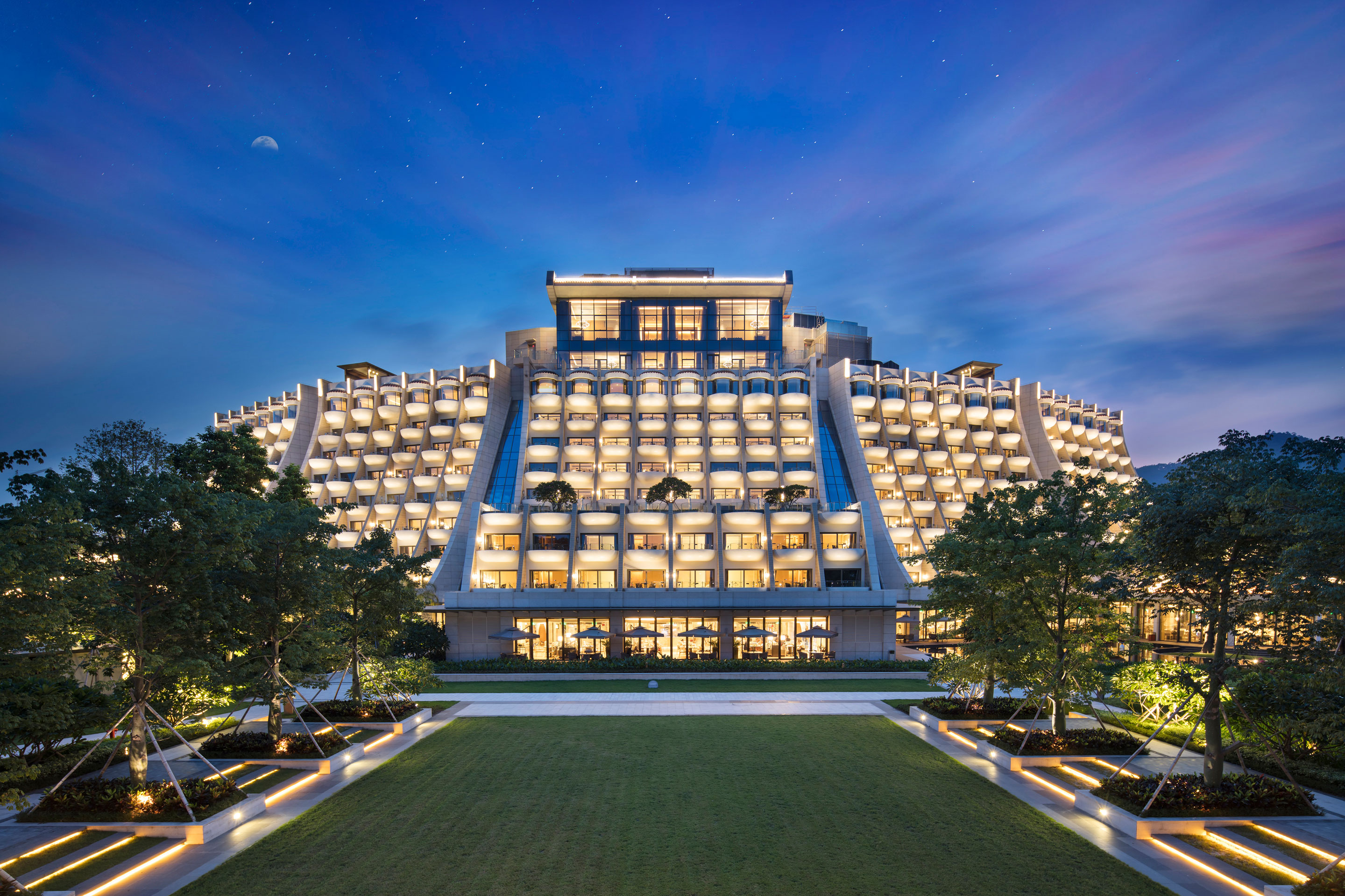 "深圳蛇口希尔顿南海酒店第三次荣膺""TTG中国旅行大奖"" Hilton Shenzhen Shekou Nanhai Wins Top International Honor for the Third Time at TTG China Travel Awards"