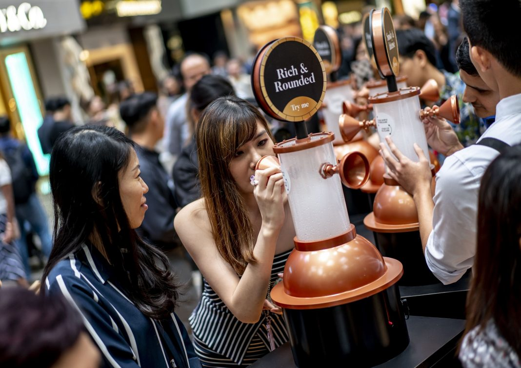 威士忌节在新加坡樟宜机场3号航站楼推出首家快闪酒吧   The Whisky Festival features the first-ever pop-up bar at Singapore Changi Airport Terminal 3