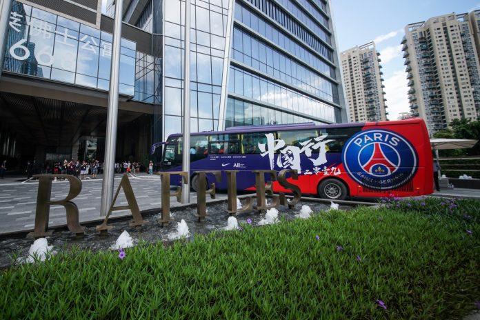 巴黎圣日耳曼足球俱乐部球员抵达深圳,开启2019中国行 | PSG Arrived in Shenzhen for 2019 China Tour