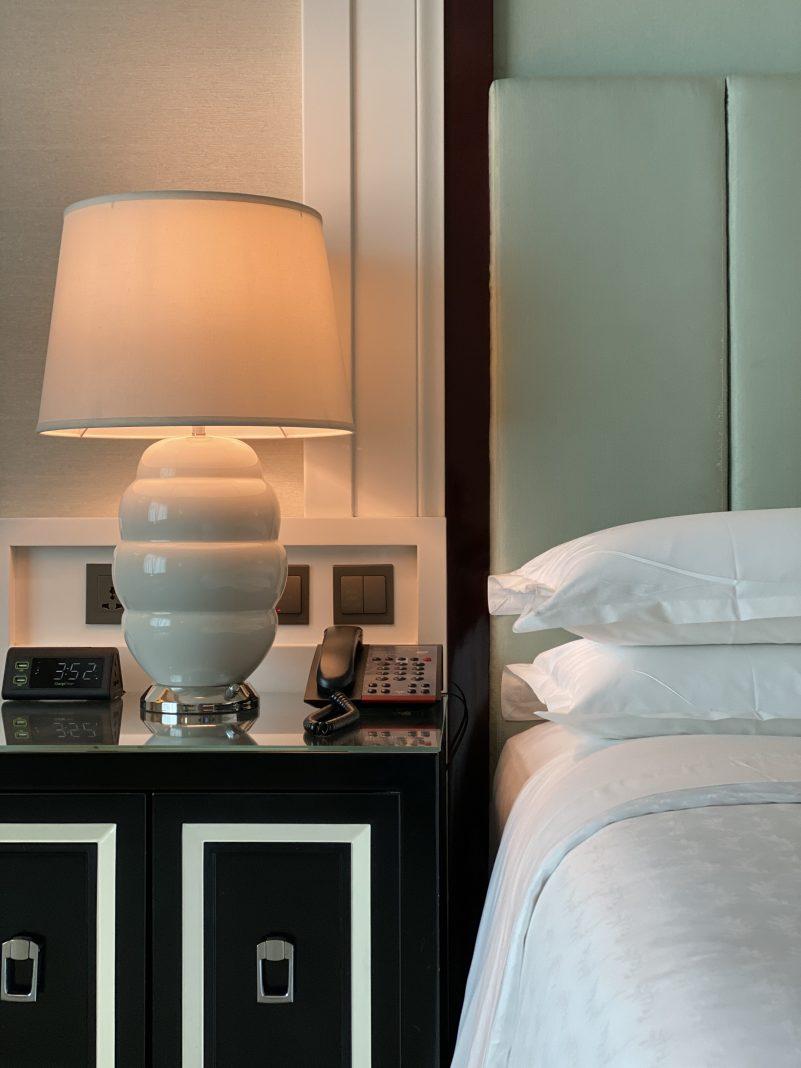 酒店客房 | Hotel Room