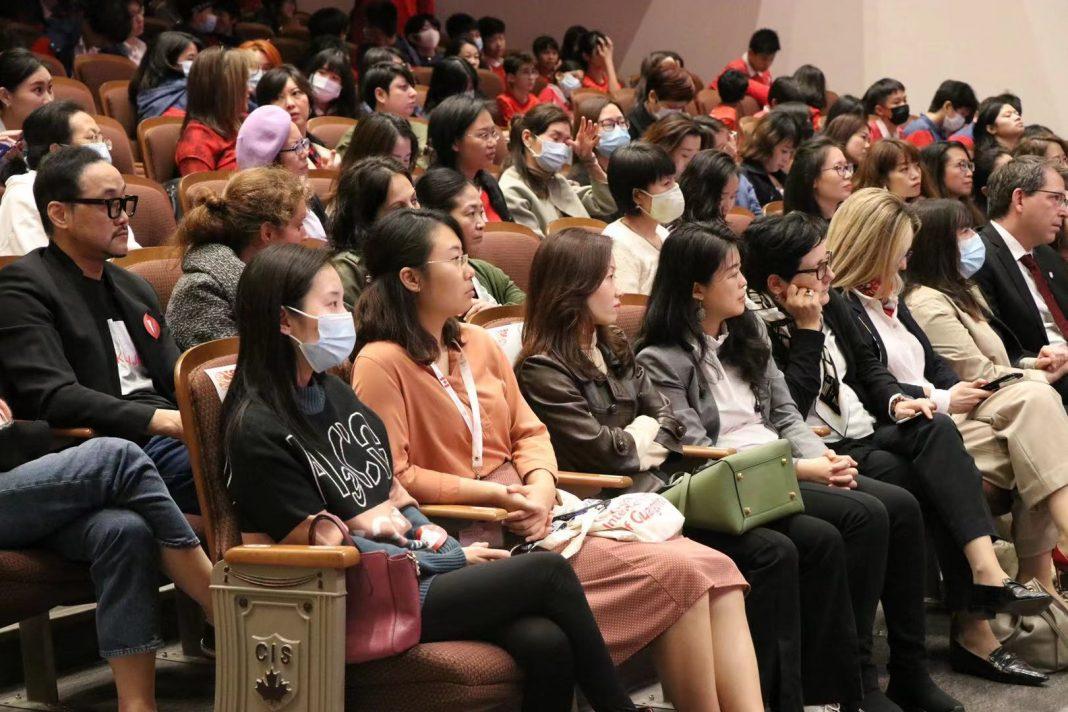 广州加拿大国际学校举办妇女节特别活动 | Canadian International School of Guangzhou Hosts International Women's Day Panel Discussion with Female Consul-Generals, CEO and Doctor, Empowering Students to 'Learn Today and Lead Tomorrow' for an Equal Society
