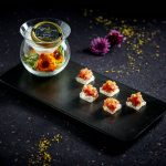 鲜花金枪鱼塔塔,水晶面包,卡露伽西伯利亚鱼籽酱 | Tuna Tartare with Edible Flowers, Crystal Bread, Kaluga Siberian Caviar